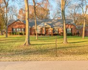 5318 Meadowlake Rd, Brentwood image