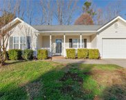 1470 Lewisburg Pointe Drive, Clemmons image