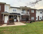 5685 Twin Oaks Dr, Sterling Heights image