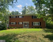 6805 Old Chesterbrook   Road, Mclean image