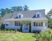 134 Brakewood Road, Manteo image