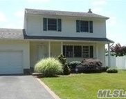 86 Genesee  Drive, Commack image