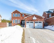 33 Lloyd Gibson Cres, Whitby image