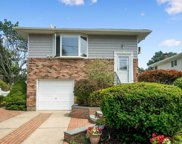 26 Dickens Ave, Dix Hills image