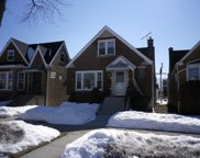 6055 W Barry Avenue, Chicago image
