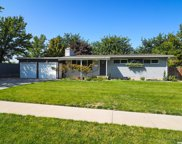 6898 S Bella Vista  Dr E, Cottonwood Heights image