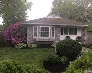 52 N Paquatuck Ave, East Moriches image