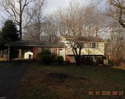 2120 Twin Hill Court, Kernersville image