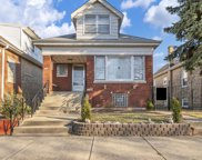 3137 N Neenah Avenue, Chicago image