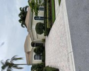 112 Isle Dr, Palm Beach Gardens image