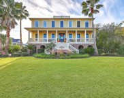 2760 Fountainhead Way, Mount Pleasant image