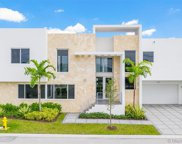 10345 Nw 68th Ter, Doral image