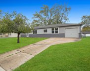 325 Apache Lane, Hoffman Estates image