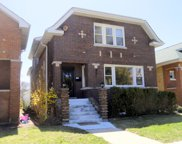 5433 West Melrose Street, Chicago image