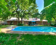 517 E Oak Cliff Drive, Edmond image