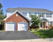 385 Hillview Drive, Gurnee image
