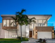 521 Holiday Dr, Hallandale image