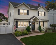 168 N Queens Ave, Massapequa image