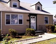 509 Old Bethpage Rd, Plainview image