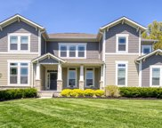 8392 Holmesdale Place, New Albany image