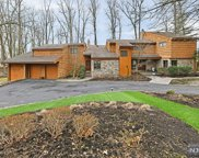 8 Squire Court, Mahwah image