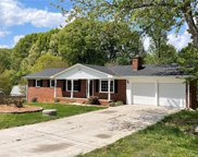 111 Roswell Court, Kernersville image