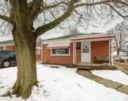 8266 ROBINDALE, Dearborn Heights image