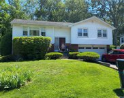 45 Duell  Road, White Plains image