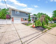 73 Convent  Road, Syosset image