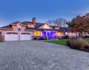 233 Willetts Ln, West Islip image