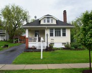 702 Hillview Avenue, West Chicago image