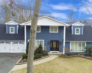 3 Beverly  Road, Commack image