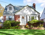 67 Willow St, Floral Park image
