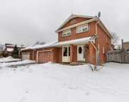 44 Canadian Oaks Dr, Whitby image