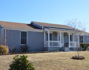 302 Westwind Dr, Springfield image