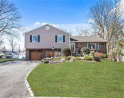 10 Standish  Place, Hartsdale image