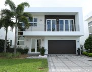 9710 Nw 74th Ter, Doral image