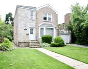 2921 West Farwell Avenue, Chicago image