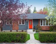 3936 Vancouver Crescent Nw, Calgary image