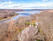 423 River Road, Nissequogue image