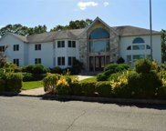 1 Willa Way, Holtsville image