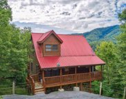 1555 Mountain Dreams Way, Sevierville image
