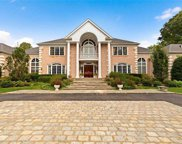 6 Chestnut Hill  Drive, Upper Brookville image