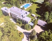 275 Sussex Lane, Lake Forest image