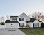 6 Kimberly  Court, Manorville image
