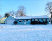 65 Robinhood Dr, Cranberry Twp image