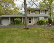 51 Clearview Ave, Selden image