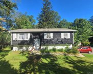 275 Clarkstown  Road, New City image