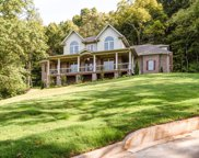1030 Holly Tree Gap Rd, Brentwood image