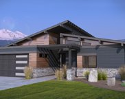 351 E Diamond Peak  Avenue, Sisters image